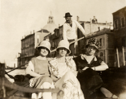 1921 Girlfriends in Venice