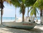 Beached Boat (Isla Mujeres)
