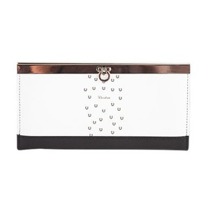 Clasp Wallets